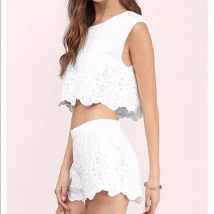 Tobi White Shorts Medium NWOT